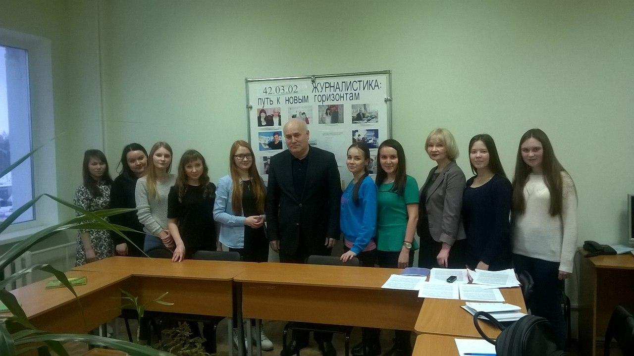 Русская студентка попробовала два члена сразу 7 фотография